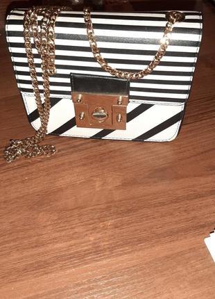 Сильная женская сумочка