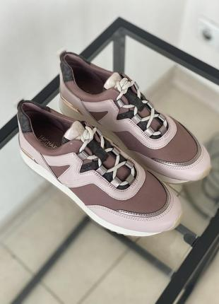 Оригинальные кроссовки от michael kors6 фото