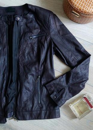 Італійська куртка з еко-шкіри, тонюсінька, з перфорацією