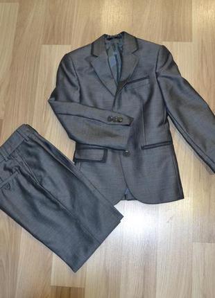 Классный костюм школьный , р 110-116 , брюки на флисе