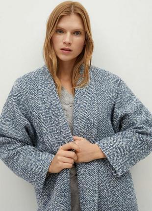 Двубортное пальто с фактурной выделкой mango5 фото