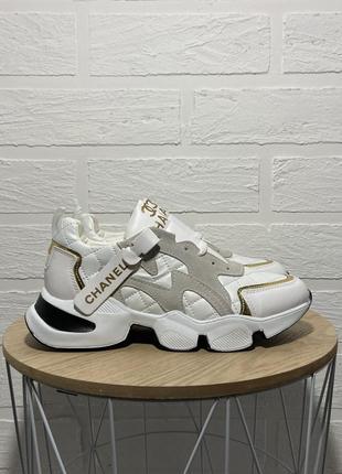 Трендовые  белые женские кроссовки1 фото