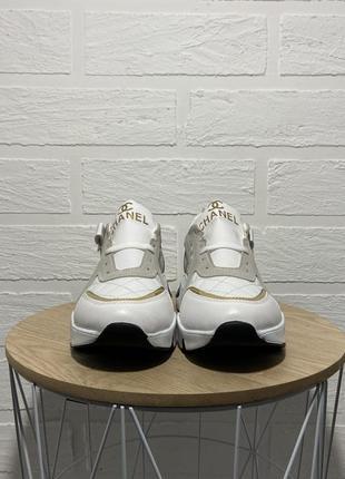 Трендовые  белые женские кроссовки3 фото