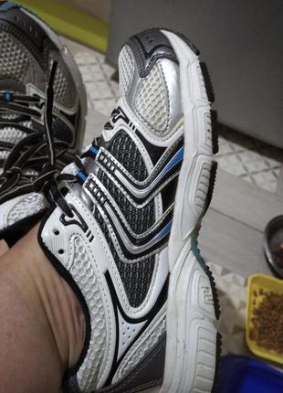 Классные кроссовки 39р супер для бега
