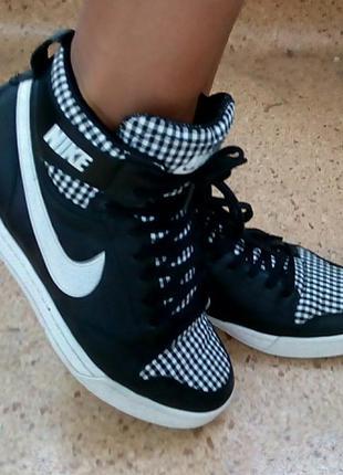 Стильные высокие кожаные кроссовки nike(original).