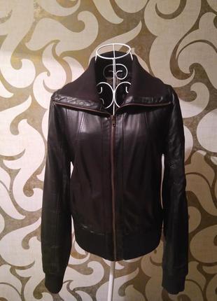 Кожаная куртка oodji ,размер евро 42/идет на m-l