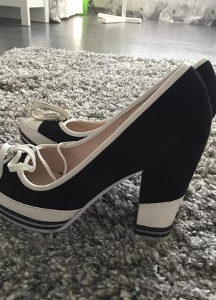Новые туфли, кожа, на неширокую ногу