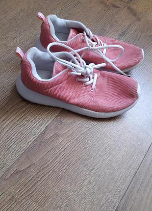 Крутые фирменные кроссовки