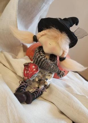 Текстильная интерьерная кукла тильда ведьма ведьмочка оберег
