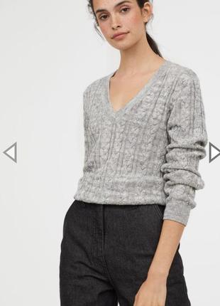 Ангоровый свитер,плетение косами.весенний свитер с v-образным вырезом.