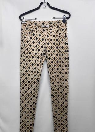 Модные женские фактурные брюки леггинсы cameo rose