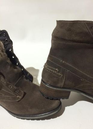Ботинки замшевые оригиналы 41 размер