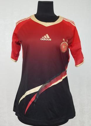 Adidas стильная футболка