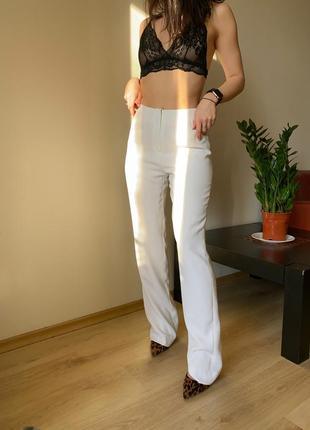Белые брюки-палаццо armani