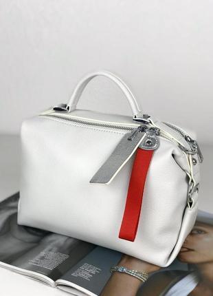 Женская белая кожаная сумка polina & eiterou