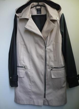 Куртка осенняя рукава кожзам р.12 с капюшоном