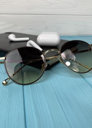 Женские солнцезащитные очки маленького размера