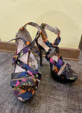 Босоножки на каблуках, разноцветные босоножки
