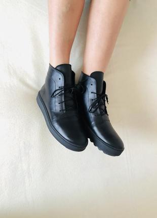 Новые!кожаные сникерсы, кеды, ботинки, полуботинки.