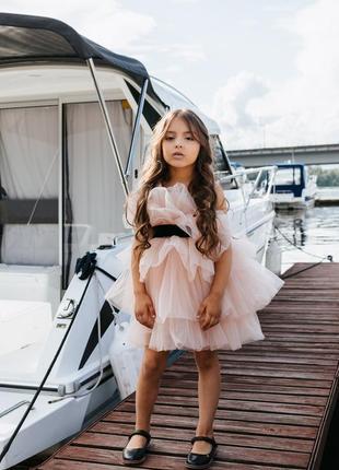 Нарядное платье с рюшами для девочки короткое пудрового цвета молли