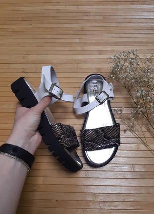 Босоніжки сандалі bellini шкіра