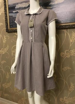Очень красивое и стильное брендовое платье в клетку...100% коттон.