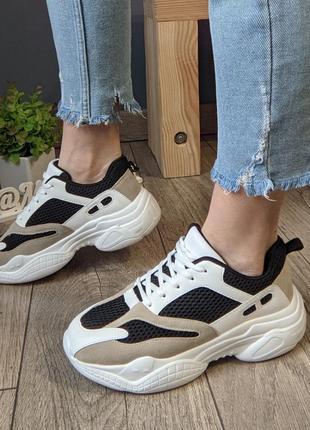 Стильные женские кроссовки комбо