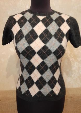 Фирменный свитерок с коротким рукавчиком