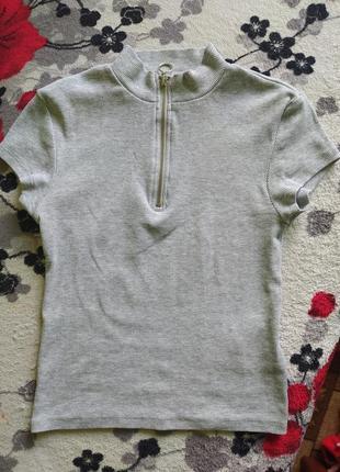 Женская серая футболка, укороченная,в рубчик