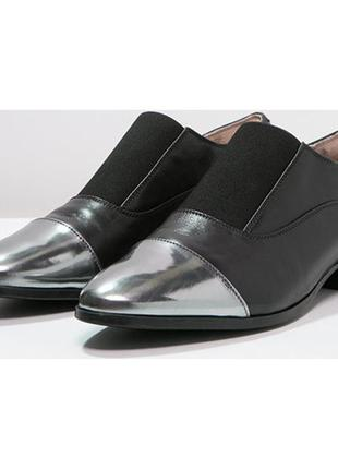 Шикарні шкіряні туфлі-дербі clarks, оригінал2 фото