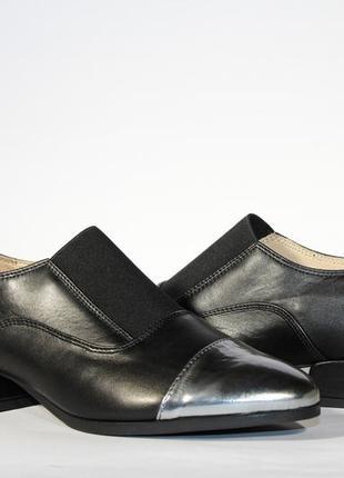 Шикарні шкіряні туфлі-дербі clarks, оригінал5 фото