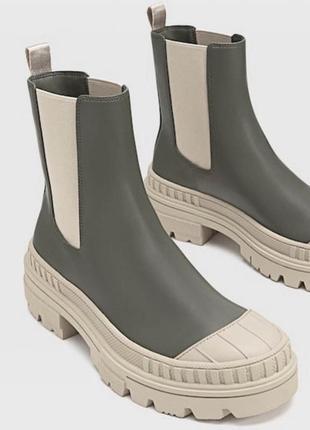 Сапоги ботинки на тракторной подошве stradivarius
