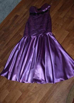 Очень красивое платье на выпускной.