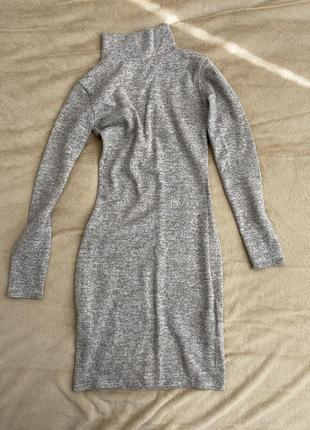 Меланжевое платье по фигуре