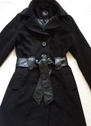 Стильное демисезонное пальто фирмы zebra p. 10/38