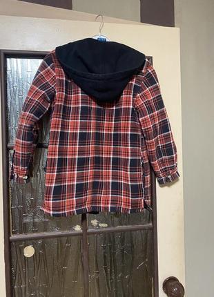 Эффектная рубашка/куртка на молнии в клетку 8-11 лет