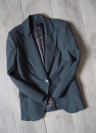 Стильный аккуратный пиджак zara