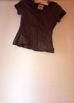 Блузочка з кольоровим комірцем