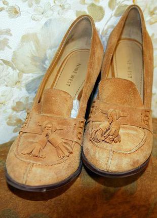 Женские туфли (люферы) из натуральной замши коричневого цвета на высоком каблуке