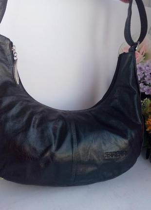 Эффектная обьемная интересная кожаная сумка полумесяцем, натуральная кожа, sarсar