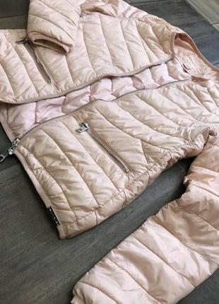 Куртка персикового цвета