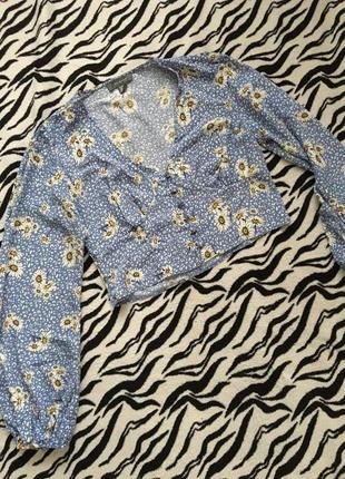 Укороченая блуза с ромашками