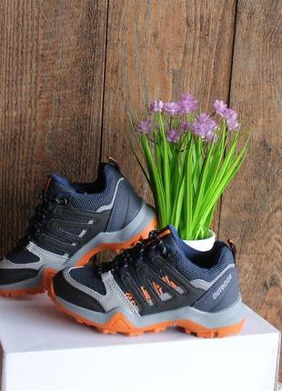 Спортивные кроссовки / весенние кроссовки под джинсы