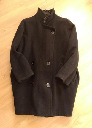 Демисезонное шерстяное пальто оверсайз кокон