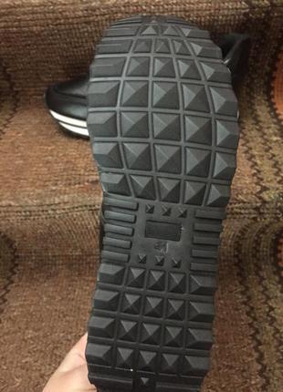 Жіночі кросівки5 фото
