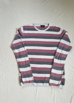 Тоненькии котоновый свитер,,zara,,