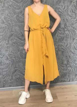 Красивое платье-сарафан на пуговках