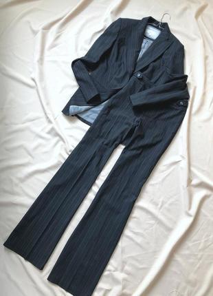 Шикарный костюм в полоску, штаны палаццо
