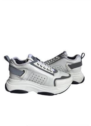 Белые женские кожаные кроссовки baldinini на платформе