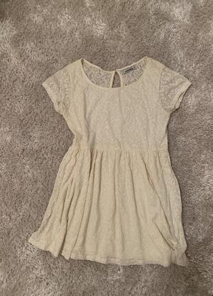 Pull&bear кружевное кремовое платье oversize размер м